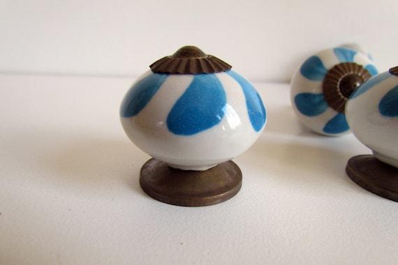 Set Of 4 Decorative Ceramic Knobs Splash Of Rain Antique