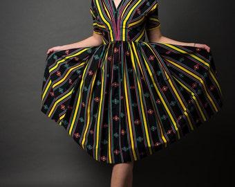 1950s Stripe Pattern Short Sleeve Dress