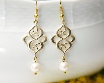 Gold dangle earrings, with Swarovski Pearls. Gold Pearl Earrings.