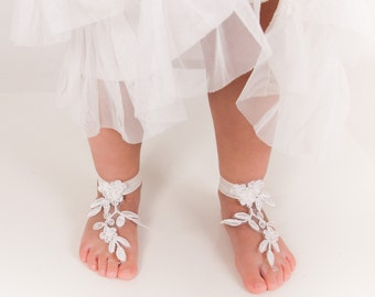 Baby Lace barefoot sandals -Toddler footless sandals -Kids shoes -Flower girl barefoot sandals -Beach wedding french lace footless sandal