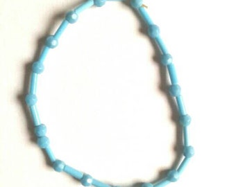 Blue beaded elastic bracelet