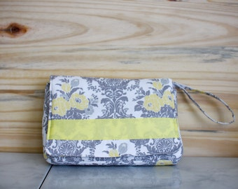 diaper clutch, small diaper bag, diaper organizer, diaper purse