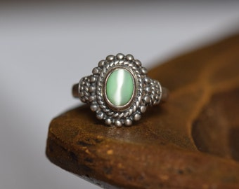 Green Tiger Eye Stone Vintage Silver 925 Solitaire Ring, US Size 7.75, Used