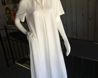 Vintage 70s White Housecoat