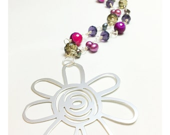 Semiprecious stones flower necklace