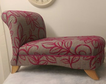 Small Chaise Longue