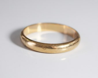 Vintage, 14K yellow gold 3mm wedding band - ring size 7.5