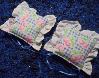 2 Pillows/Years 80/Miniatures/Vintage/For Barbie/Doll House/ Others