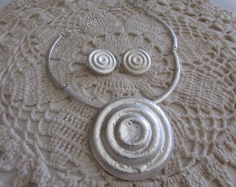 Vintage Silver Choker and Earrings/ 1980's Style Jewelry/ Vintage Costume Jewelry - FREE SHIPPING!!!