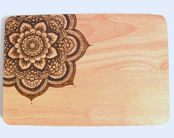 Mandala chopping board - Handmade - Wood burned - Pyrography - Homeware gift