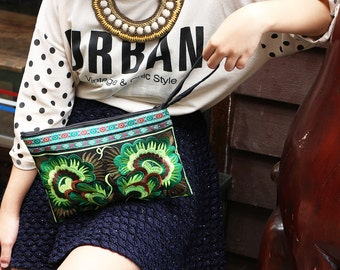 Green Purse Clutch With Embroidered Fabric