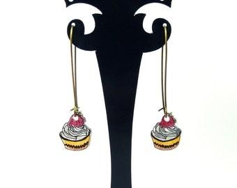 Earrings: Cupcakes