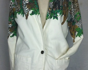 Long, White and Wild d. Frank Blazer with Cheetah/Leopard Print and various jungle Animals Vintage