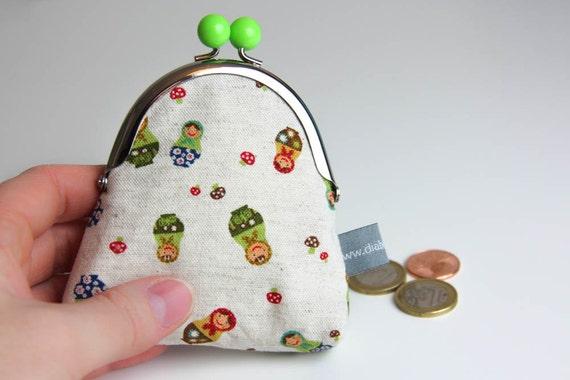 Metal frame coin purse - matriochkas - nesting dolls - russian dolls - green - blue - red clasp - Kiclac Matriochkas - Green