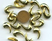 Vintage 1940s Pronged Clothing Studs GIANT COMMAS (25) Solid Brass Faceted for Paper or Fabric jc studcom MORE Available