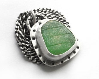 Green Rhode Island Ribbed Seaglass Beach Glass Bezel Set Necklace Sterling Silver 18 Inch Curb Chain