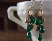 E033 Emerald green cluster leaf earrings of Czech glass and brass