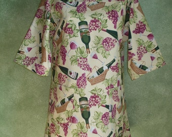 SIZE 6-8 The Mama San Mamasan Kappogi Full Coverage Smock Apron - Wine Lovers Print - Size X-Small (6-8)
