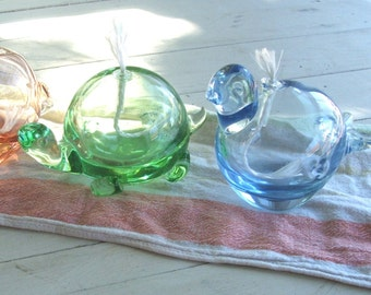 Your choice  Green Turtle or Blue Bird Vintage Glass Oil Lamp REGALO