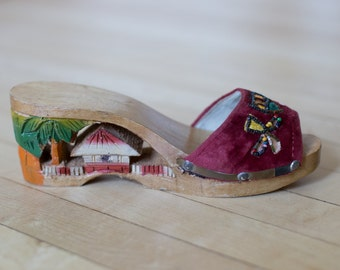 Vintage 1940's Women's Asian Japanese Wooden Hand Carved Souvenir Platform Wedge Shoes / Heels 6 6.5