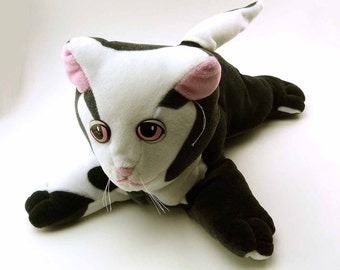 Vintage 1985 Pound Puppy Puppies Tonka Stuffed Animal Black White Cat KItten Plush Stuffed Animal Toy