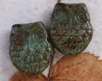 sale .. BLUE  HOO HOO .. 2 Premium Picasso Czech Glass Owl Beads 18x15mm (4370-2)