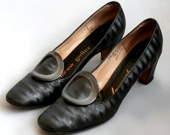 Incredible original 1960s vintage Andrew Geller steel grey moire Pilgrim shoes