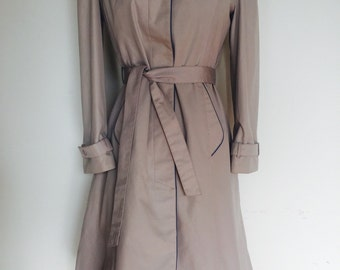 Cutest Late 70s / Early 80s Fully Lined Rain Coat / Khaki Trench Coat by Changing Scene Label