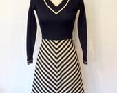 Vintage 1970s Jonathan Logan Dress / Long Sleeved Navy Blue & Creme Chevron Stripes