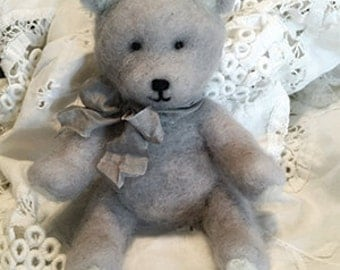 "Sweet ""Cuddles"" Baby Bear Photo Prop--Needle Felted Baby Bear in Soft Smoke Grey"