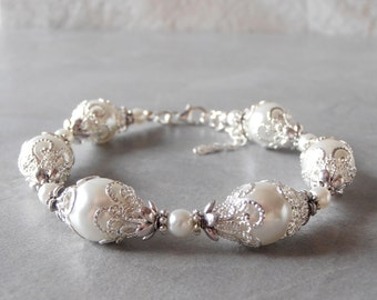 White Pearl Bracelet, Brides Bracelet, Pearl Wedding Jewelry, Handmade Bridal Accessories