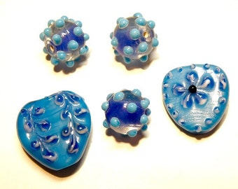 DESTASH - Coordinating Set of Five (5) Heart and Bumpy Rondelle Lampwork Glass Beads: Cobalt Blue and Turquoise Blue  --- Lot 3I