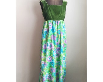 Vintage Late 1960s  Green Velvet Empire Dress Floral Sprint Flower Power Skirting