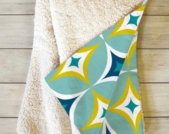 Geometric Fleece Throw Blanket // Midcentury Modern // Sherpa // Dorm Decor // Retro Style // Home Decor // Cozy Blanket // Astral Slingshot