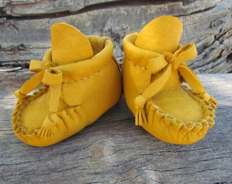 "Baby Moccasins By Desi, Beaded, Buffalo leather, 4 1/2"" Long, Girl, Boy, Tribal, Aztec, First Thanksgiving outfit shoes, Winter Wear Boots"