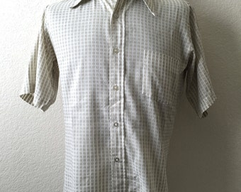 Vintage Men's 70's Polyester Shirt, White, Short Sleeve, Printed by Crown Point (L)