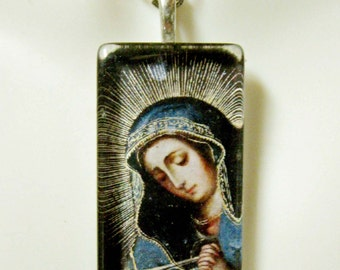 Our Lady of Sorrow pendant with chain - GP12-291