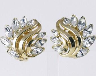 Vintage Crown Trifari Gold Tone Clear Marquise Rhinestone Clip Earrings  (E-2-4)