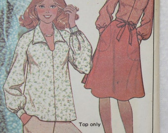 """Sz 8 Bust 31.5 Waist 24""""  Classic 1976 Wrap Skirt and Peasant Pirate Blouse Vintage  McCall's  Sewing Pattern 4981"""