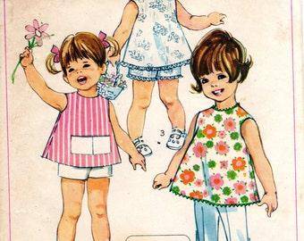 1960s Jiffy Dress Pants Shorts Pattern - Vintage Simplicity 7667 - Size 2