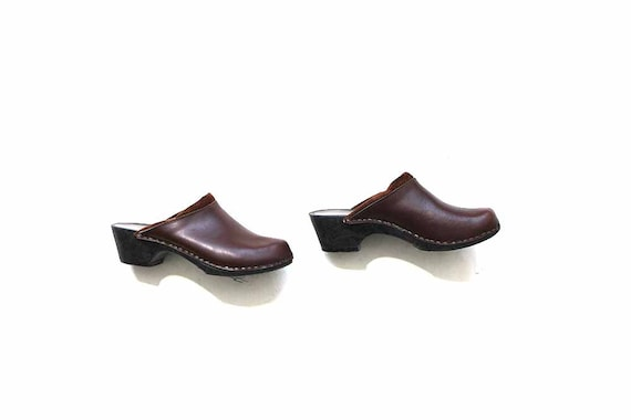 Vintage Leather Clogs 6 / Brown Leather Clogs / Leather Mules