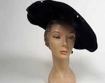 1940s velvet halo hat • vintage 40s hat • navy blue tilt hat