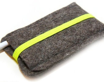 Felt cover for iPod nano 7g with neon yellow elastic strap