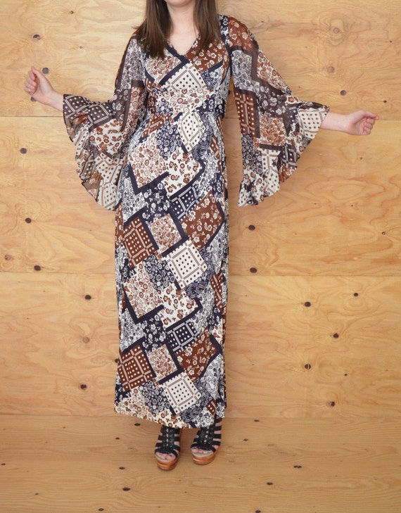 Vintage 70s Brown & White Floral Bell Sleeve MAXI Empire Boho Hippie Gypsy Festival Dress SZ S M