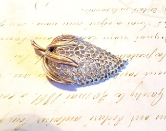 Large Sarah Coventry Strawberry Brooch Pin Retro Designer Vintage Jewelry