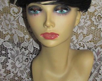 FREE SHIPPING Vtg Mid Century Evelyn Varon Exclusive White Tipped Black Feathers Ladie's Pillbox Dress  Hat