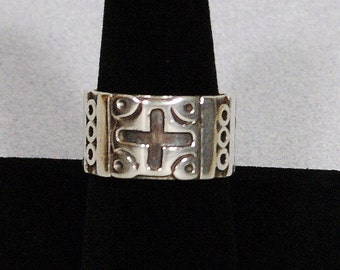 Taxco Ring Band, Size 9-1/2, Signed EMH Vintage Mexico Cast Silver Ring Size 9.5