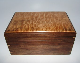 """Figured Quilted Maple and Walnut Keepsake Box. Leather Upholstered. 8.5"""" x 6"""" x 4.25"""""""