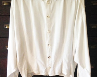 80's GHOST blouse ivory bat cuffed sleeves shell buttons
