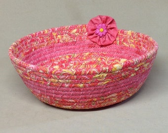 Coiled Fabric Bowl, Round, Pink Floral Print with Solid Pink Band